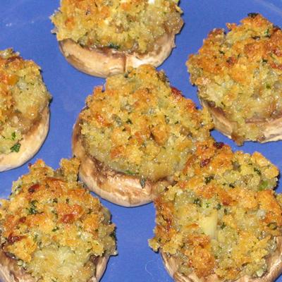 Šampiňóny plnené modrým syrom a bylinkovým maslom – výborné jedlo, ktorým ohúrite každú návštevu