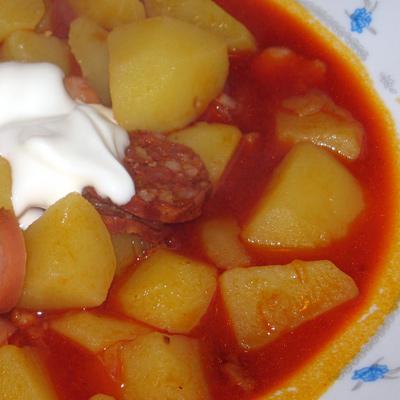 Zemiakový paprikáš (paprikás krumpli) – pozdrav pre Veľkomestských gurmánov