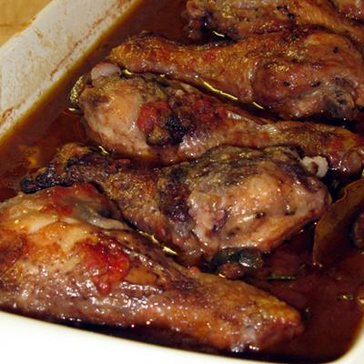 Talianske kurča ženy pána poľovníka (pollo alla cacciatora)