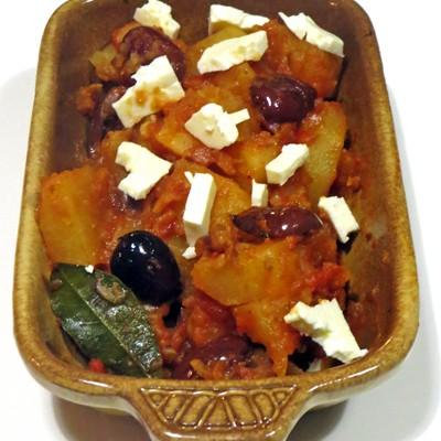 Zemiakové yiachni – odpoveď Grécka na zemiakový paprikáš