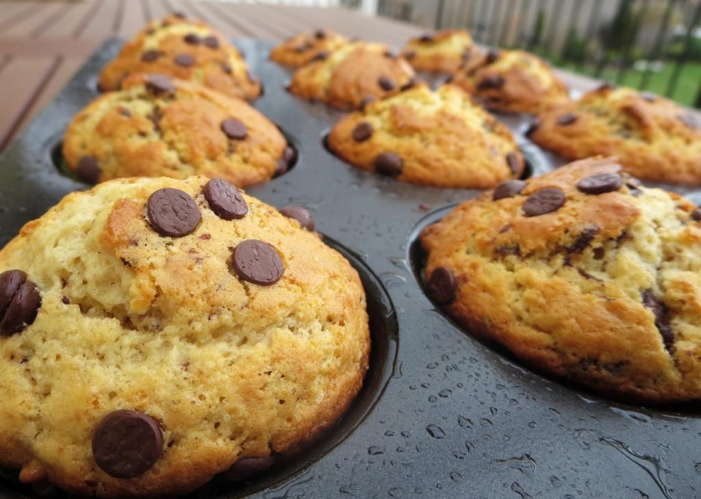 Muffin s tmavou čokoládou a vlašskými orechmi
