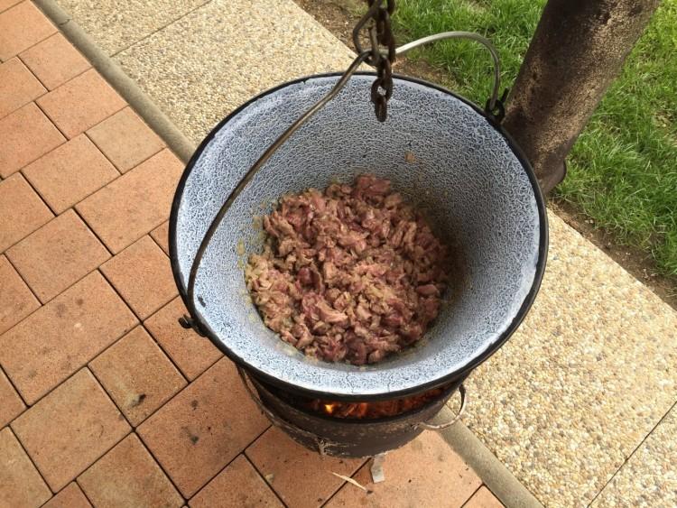 Chilli con carne v kotlíku